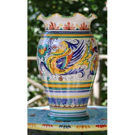 Vaso in ceramica Deruta, stile raffaellesco, bordo merlato
