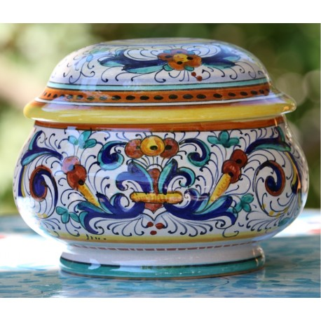 Tureen in ceramic Deruta style, with lid