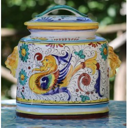 Tureen in ceramic Deruta, handle with lions, with lid