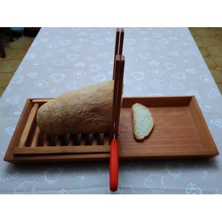 Coupe-pain artisanal en bois de cerisier